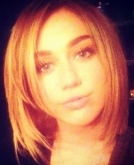 Miley Cyrus Tweets New Bob Haircut