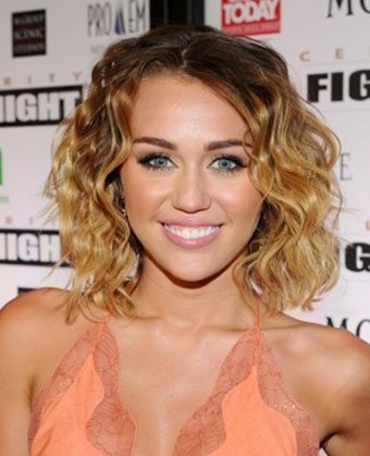 Miley Cyrus' Curly Bob Haircut
