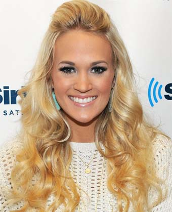 Carrie Underwood's Lovely Half-up, Half-down Hairstyle
