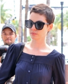 Anne Hathaway Shows off Short Hair