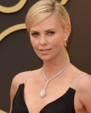 Charlize's clean and classy pixie