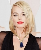 Margot Robbie's classic but modern bob
