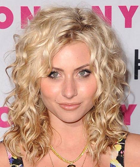 Alyson Michalka S Untamed Curly Hairstyle