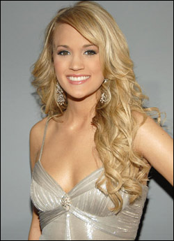 Carrie Underwood S Long Curly Blonde Hairstyle