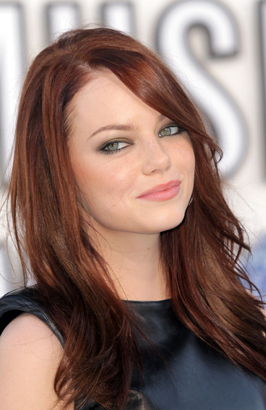 Emma Stone S Straight Hairstyle With Bangs