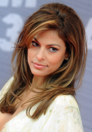 Eva Mendes Highlighted Hairstyle