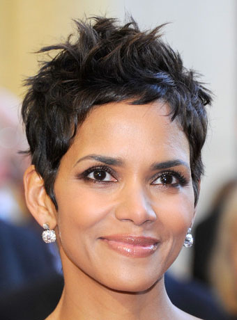 halle berry s chic tousled pixie hairstyle
