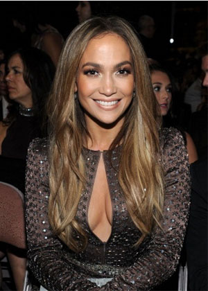 Jennifer Lopez's Long Brunette Hairstyle