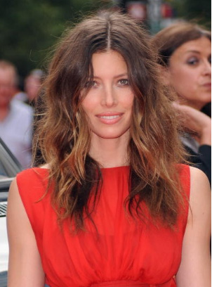 Jessica Biel's Messy Layered Hairstyle