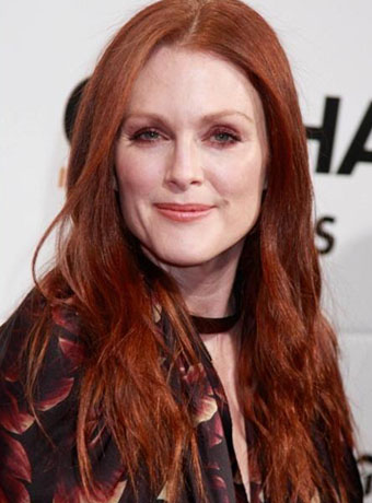 Julianne Moore's Red Soft Waves