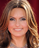 Mariska Hargitay's Layered Wavy Hairstyle at Emmy Awards 2009