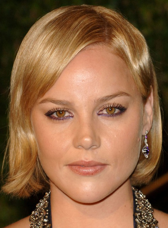 Cornishs Sleekest Bob Hairstyle At Oscars After Party - Bob hairstyle party