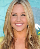 Amanda Bynes's Medium-parted Long Wavy Hairstyle at 2009 Teen Choice Awards