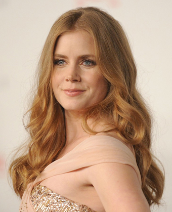Amy Adams Sexy Long Wavy Hairstyle
