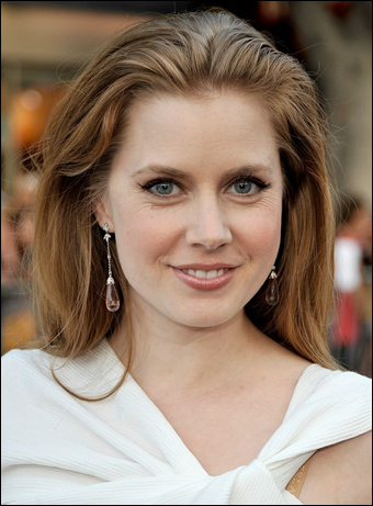 Amy Adams Pulled-back Shoulder Length Hairstyle