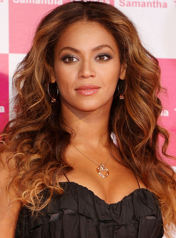Beyonce Knowles's Long Curls Hairstyle