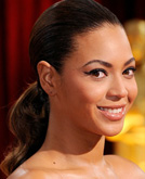 Beyonce with Low Ponytail Hairstyle at Oscars 2009
