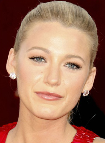Blake Lively  on Blake Lively Dog Breed  Lake Lively Up Hairstyles
