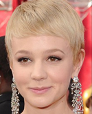 Carey Mulligan's Blond Short Hairstyle at 2010 Oscars Red Carpet