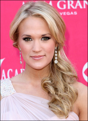 Browse > Home / Celebrity Hairstyles / How to get Carrie Underwood Hairstyle