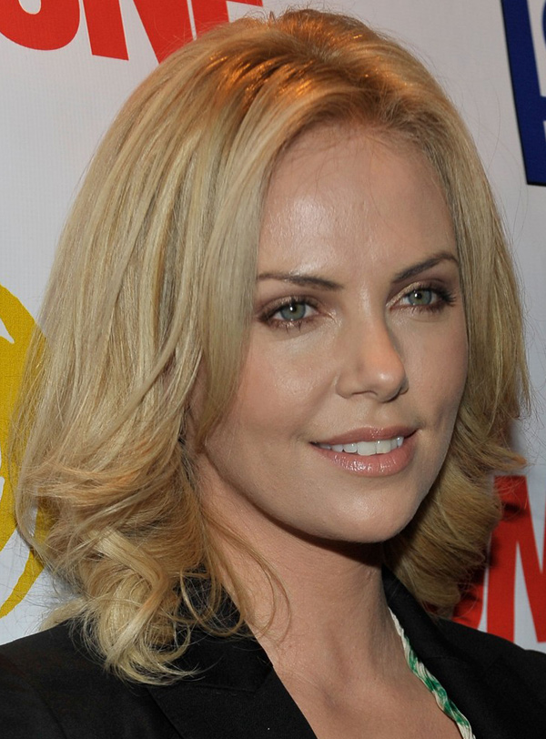 Charlize Theron's Shoulder Length Bob Hairstyle