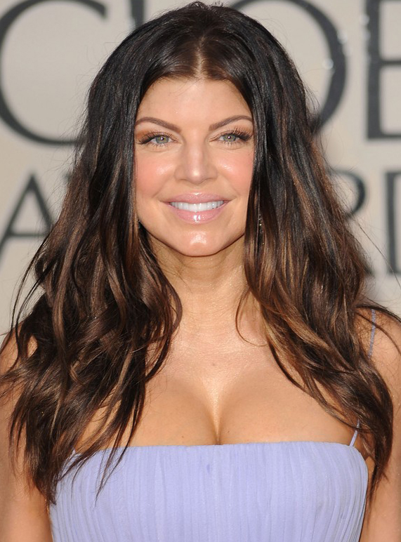 Fergie's Long Messy Wavy Hairstyl at 2010 Golden Globe Awards