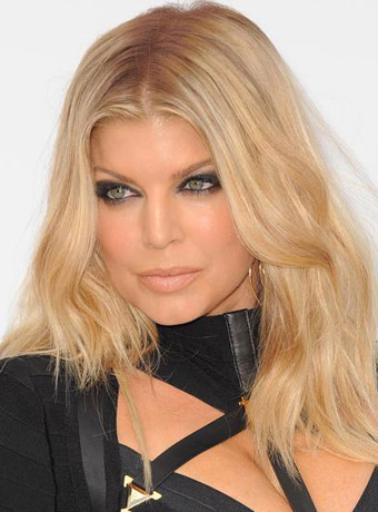 Fergie's Light Blonde Wavy Hairstyle