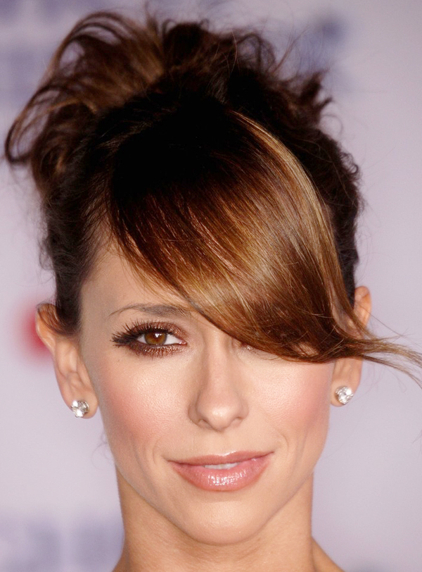 Jennifer Love Hewitts Cute Updo Hairstyle With Bangs
