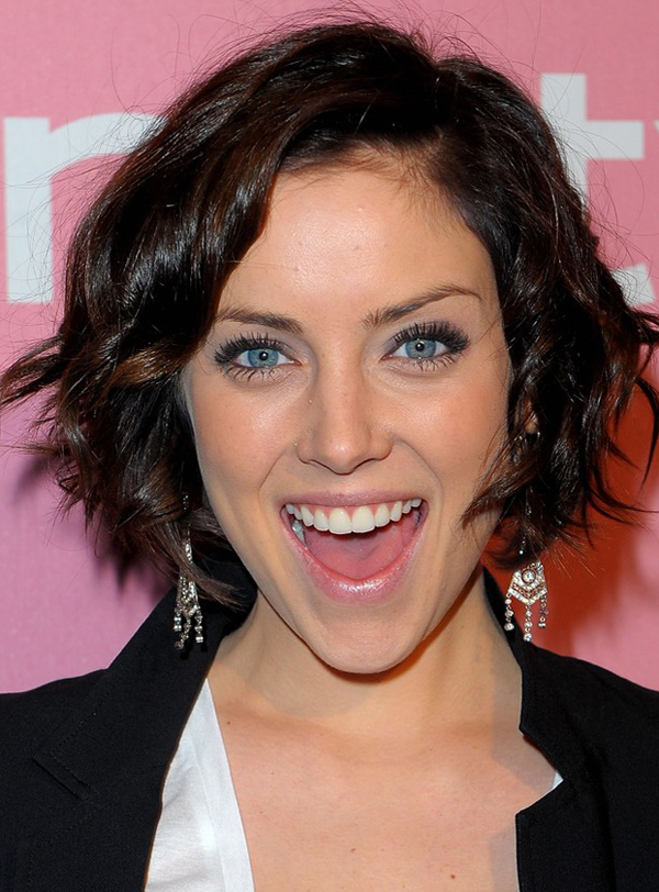 Jessica Stroup's Lovely Bob Hairstyle with Curls
