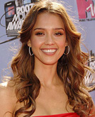 Jessica Alba's Wavy Hair Style at the MTV Movie Awards