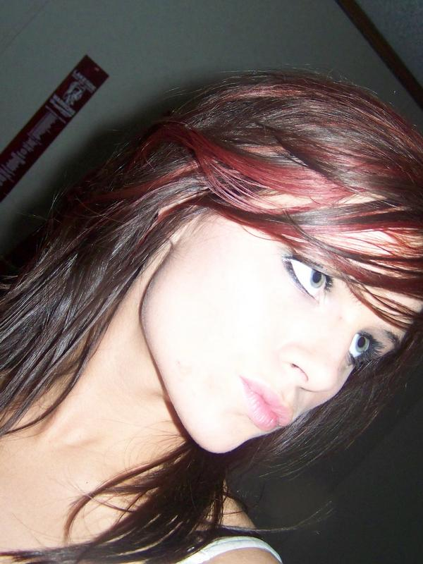 wavy dark brown red streaks