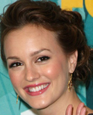 Leighton Meester's Elegant Chignon Hairstyle with Curled at 2009 Teen Choice Awards