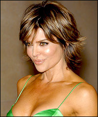 Lisa Rinna in a Short Layered Haircut