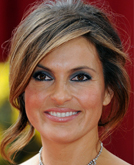 Mariska Hargitay's Elegant French Twist Hairstyle at 2010 Oscars Red Carpet