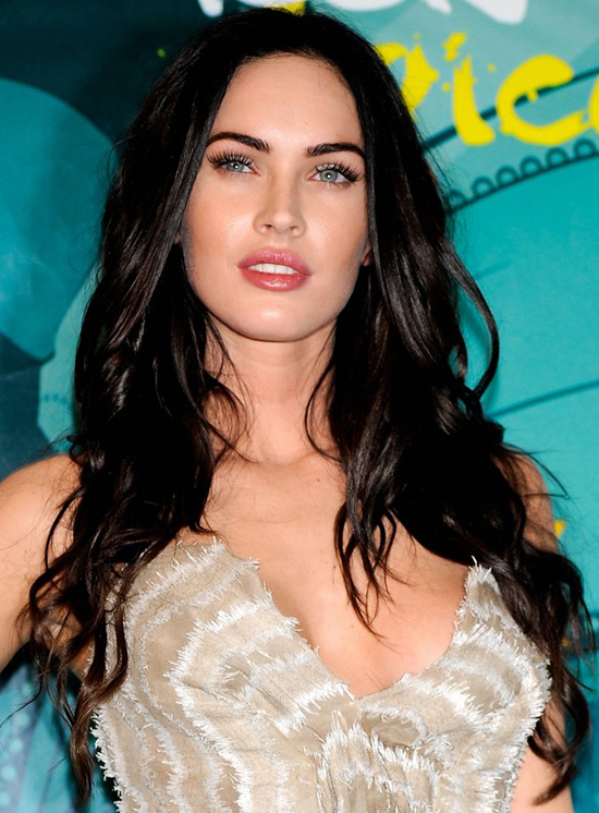 Megan Fox S Long Sexy Curly Hairstyle At 2009 Teen Choice Awards
