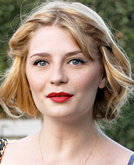 Mischa Barton's Long Wave and Twist-front Hairstyle