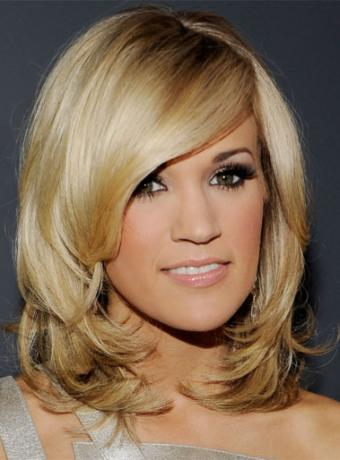 carrie underwood side hairstyle