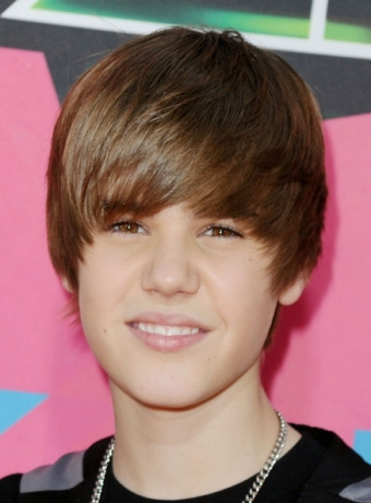 justin bieber haircut 2010. Justin Bieber#39;s Pixie Haircut