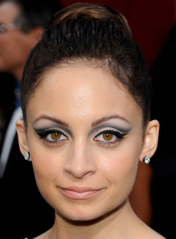 Nicole Richies High Updo Hairstyle At 2010 Oscars Red Carpet
