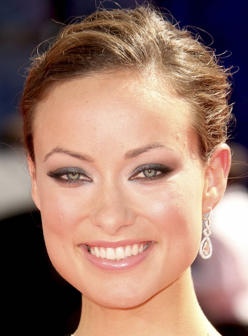 Olivia Wilde S High Updo Bun Hairstyle At Emmy Awards 2009