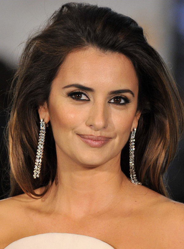 Penelope Cruz's Layered Pulled Back Hairstyle