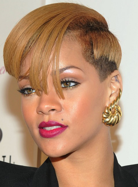 Rihanna's Short Chic Hairstyle
