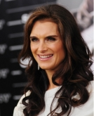 Brooke Shields With Long Wavy Hairstyle