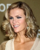 Brooklyn Decker's Shoulder-Length Curly Hairstyle