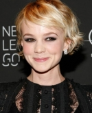 Carey Mulligan's Short Wavy Hairstyle