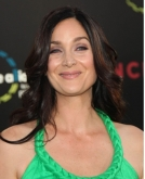 Carrie Anne Moss's Long Wavy Hairstyle at the 'Inception' Premiere