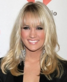 Carrie Underwood Rocks New Bangs