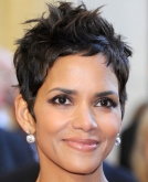 Halle Berry's Chic,Tousled Pixie Hairstyle