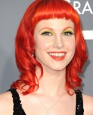 Hayley Williams' Shoulder-Length Curly Red Hairstyle
