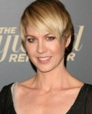 Jenna Elfman's New Pixie Cut